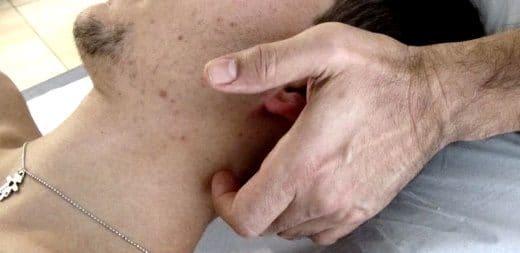 manipolazioni vertebrali disturbi intervertebrali minori Dott. Notarrigo Fisiatra San Lazzaro Bologna